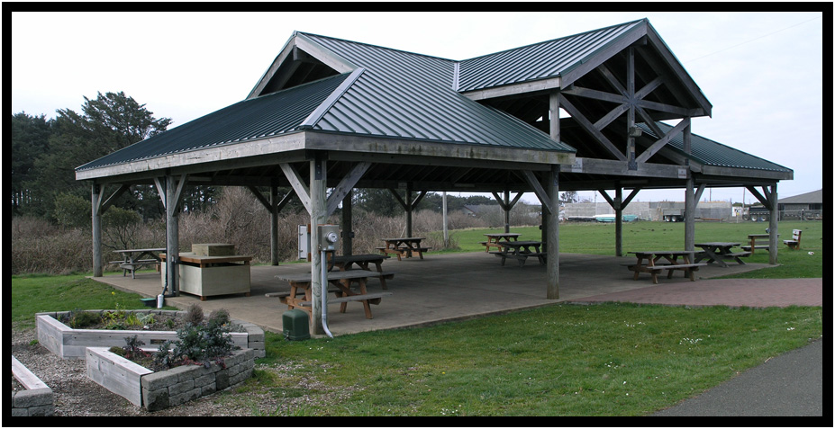 yachats commons picnic shelter
